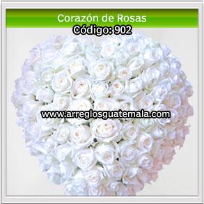 flores para funerales con forma de corazon para mostrar pésame ante perdida de un ser muy querido