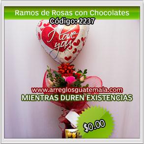 ramos de flores con globos y chocolates