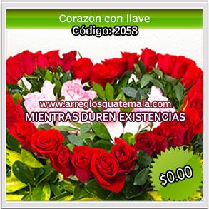 corazon con llave de rosas naturales