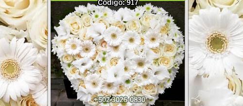 Corazon Blanco de flores