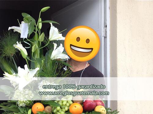 arreglos florales con frutas para hombres
